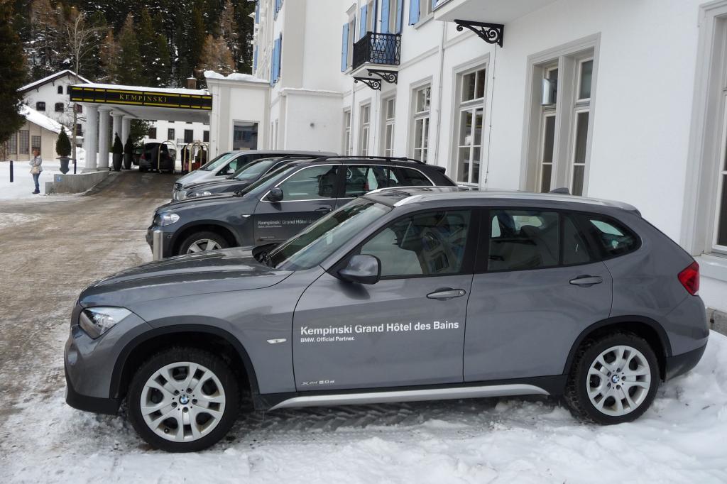 Das Hotel setzt auf Allrad-Fahrzeuge aus München