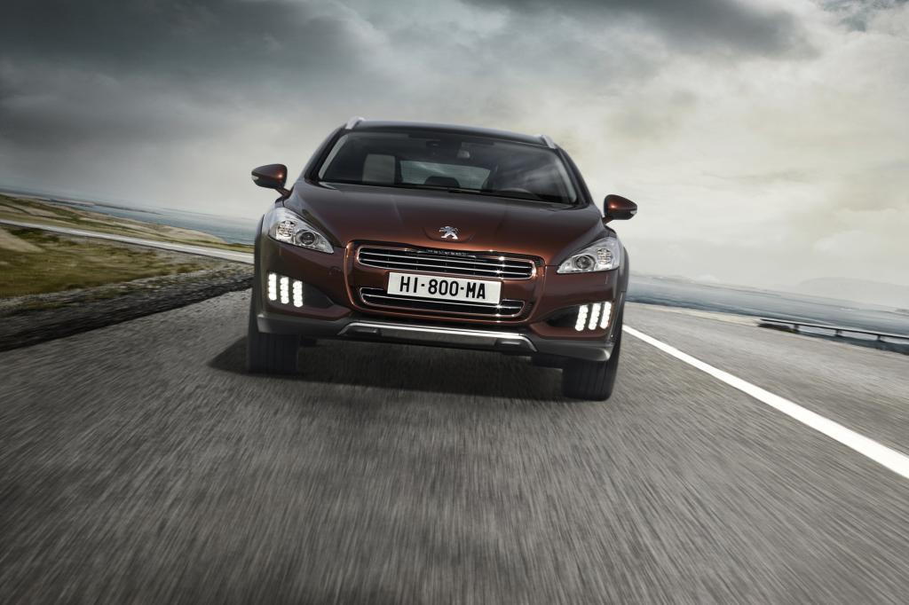 Der Peugeot 508 RXH verbindet den Diesel mit Hybridantrieb