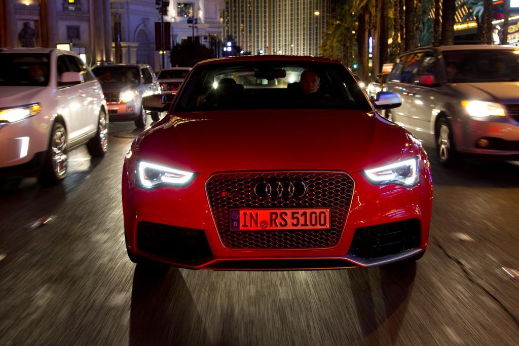 Der RS5 regelt serienmäßig bei 250 km/h ab