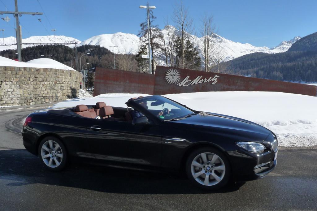Der offene BMW ist für St. Moritz ein idealer Begleiter