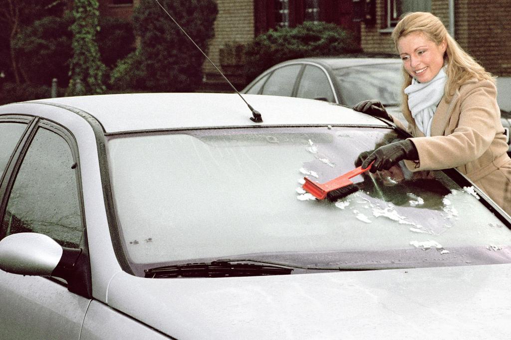 Frostschutz kontrollieren - Ohne Zusatz friert auch das Kühlwasser