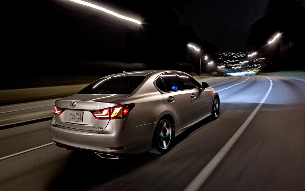 """Heiße Kurven auf schneller Stecke: """"Tori 500"""" - die neue Werbekampagne des Lexus GS"""