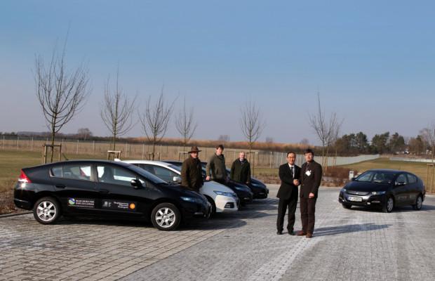 Honda übergibt Hybridfahrzeuge an UNESCO-Biosphärenreservate