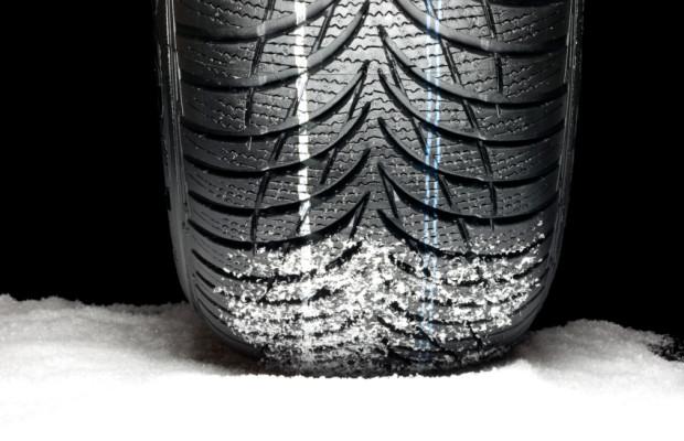 KÜS beanstandet tausende von Reifenfehlern