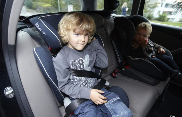 Kinder im Auto - Bei Kälte nicht alleine lassen