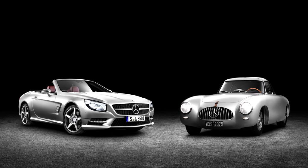 Links der neue SL, rechts der Mercedes 300 SL als einer der Ur-Ahnen.