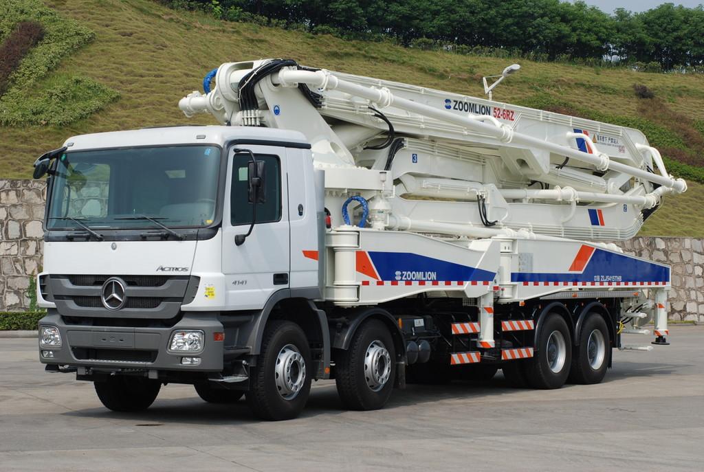 Mercedes-Benz liefert 2500 Lkw an chinesischen Baumaschinenhersteller