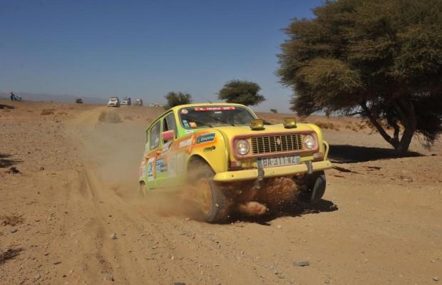Mit 50 Kilo Schulbüchern im R4 nach Marokko