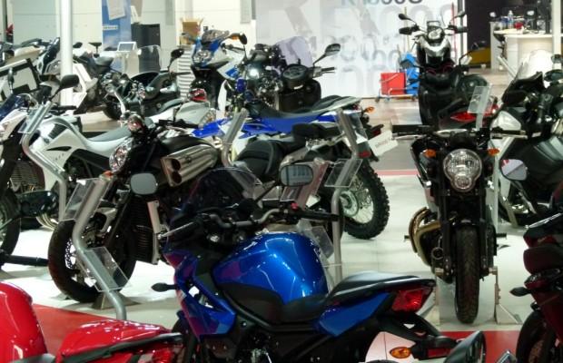 Motorrad Messe Leipzig 2012: Grid Girls, Bikes und heiße Eisen