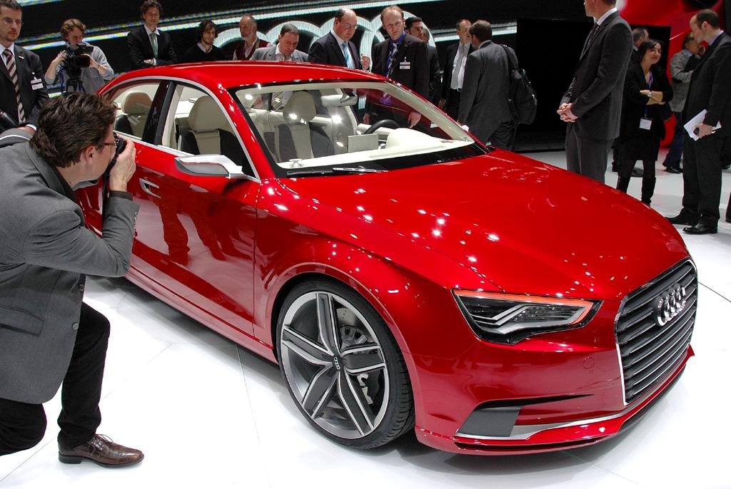 Neben dem VW Golf wird das Schwestermodell, der nächste Audi A3, hier eine Studie 2011 in Genf, als erstes auf Basis des neuen modularen Querbaukastens entstehen.