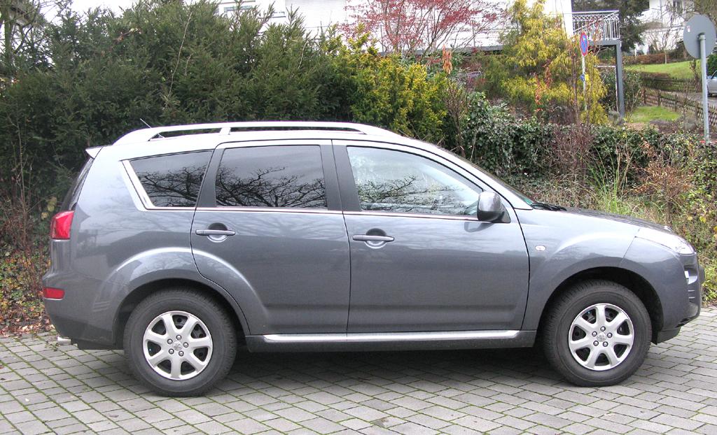 Peugeot 4007: Und so sieht der Franzose auf Mitshubishi-Outlander-Basis von der Seite aus.
