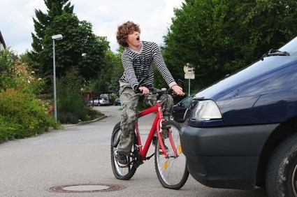 Recht: Unbenutzbarer Radweg berechtigt nicht zum Seiten-Wechsel