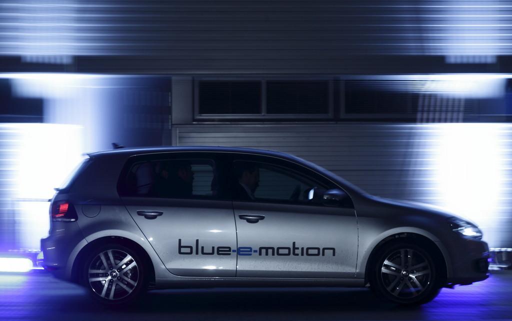 Symposium zur Elektromobilität mit Prototypen-Testfahrten