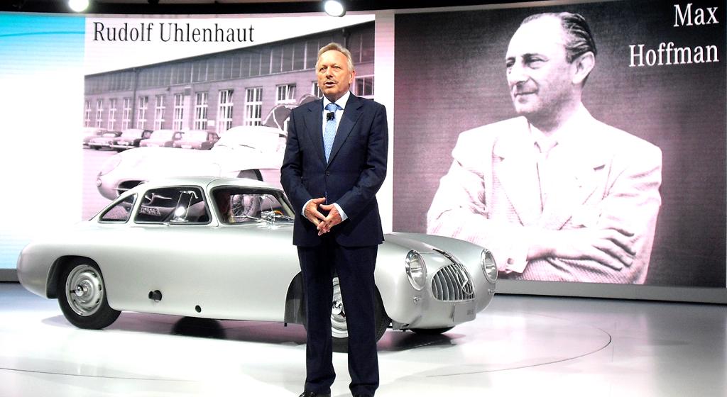 Verkaufschef Joachim Schmidt erinnert in Detroit an Männer wie Versuchsleiter Rudolf Uhlenhaut und US-Importeur Max Hoffmann, die auf ihre Weise zum Erfolg der Mercedes-Ikone SL beigetragen haben.