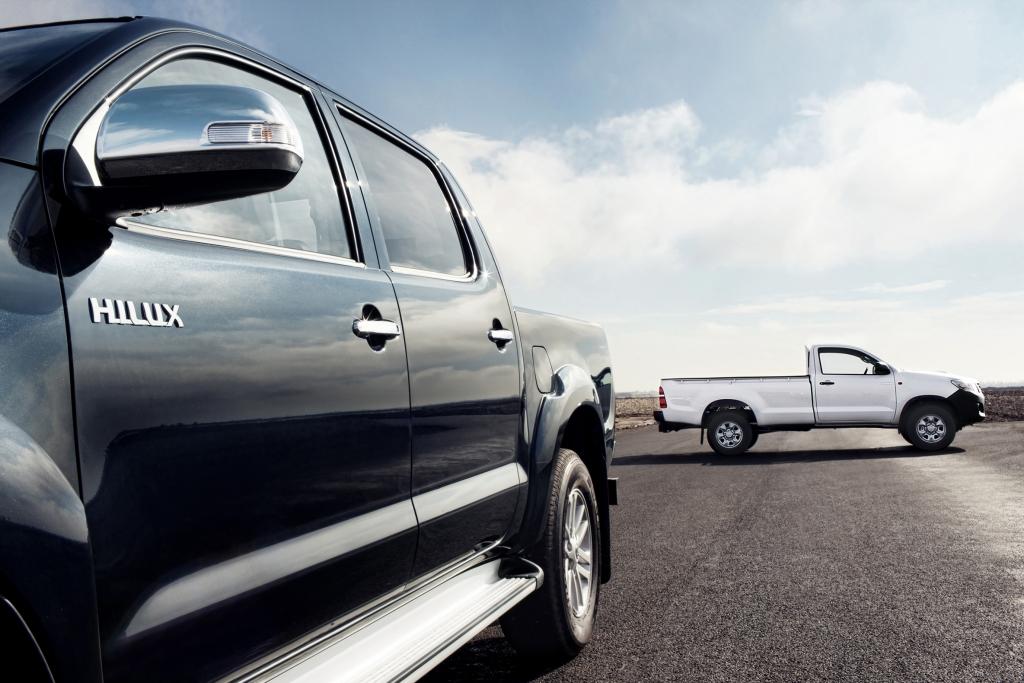 Wozu braucht Herr Schmitz ein so praxisnahes Auto wie den Toyota Pick-Up Hilux?