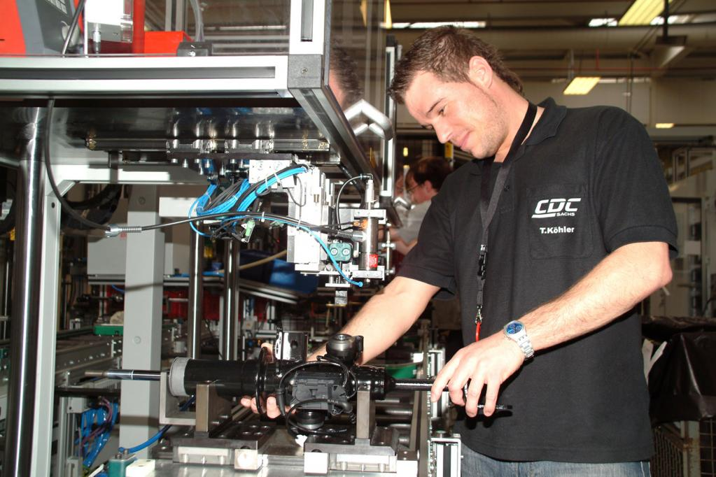 ZF produziert zwölfmillionsten adaptiven Pkw-Dämpfer
