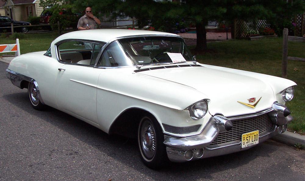 Zweiter Oldtimer der Sammlung: ein Cadillac Eldorado von 1957.