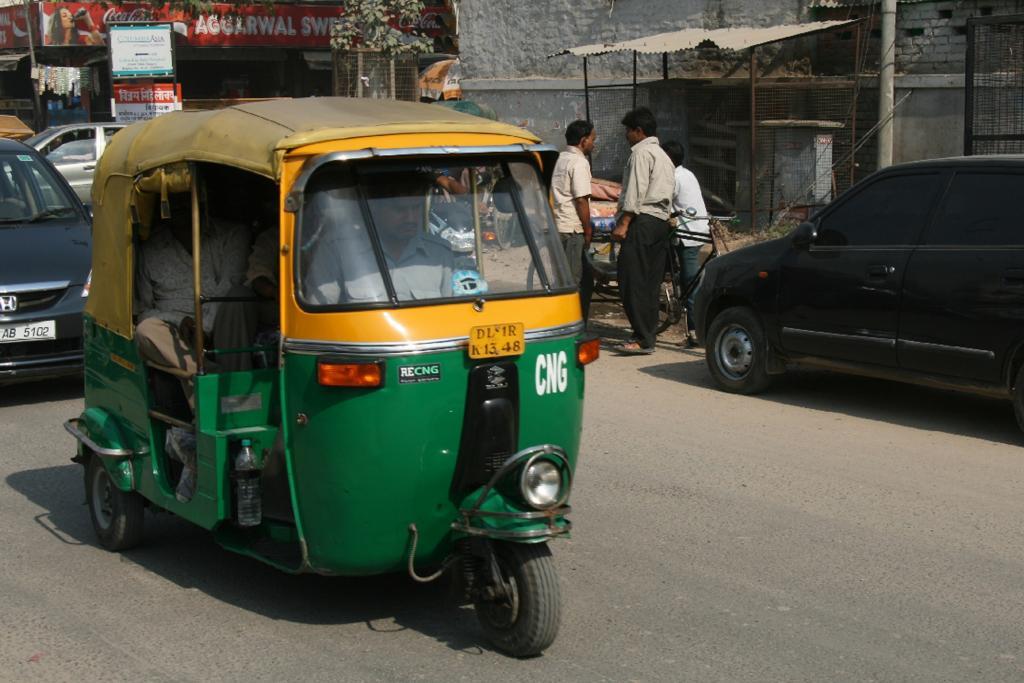 Allein in Delhi gibt es über 70 000 Rikschas mit grünem Blech und gelbem Dach