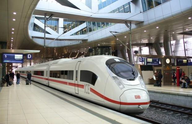 Bahn verliert Fernstrecken-Monopol