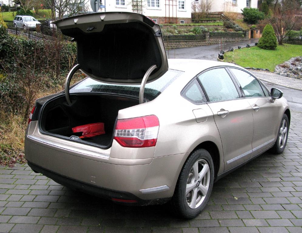 Citroën C5: Ins Gepäckabteil passen immerhin noch 467 Liter hinein.