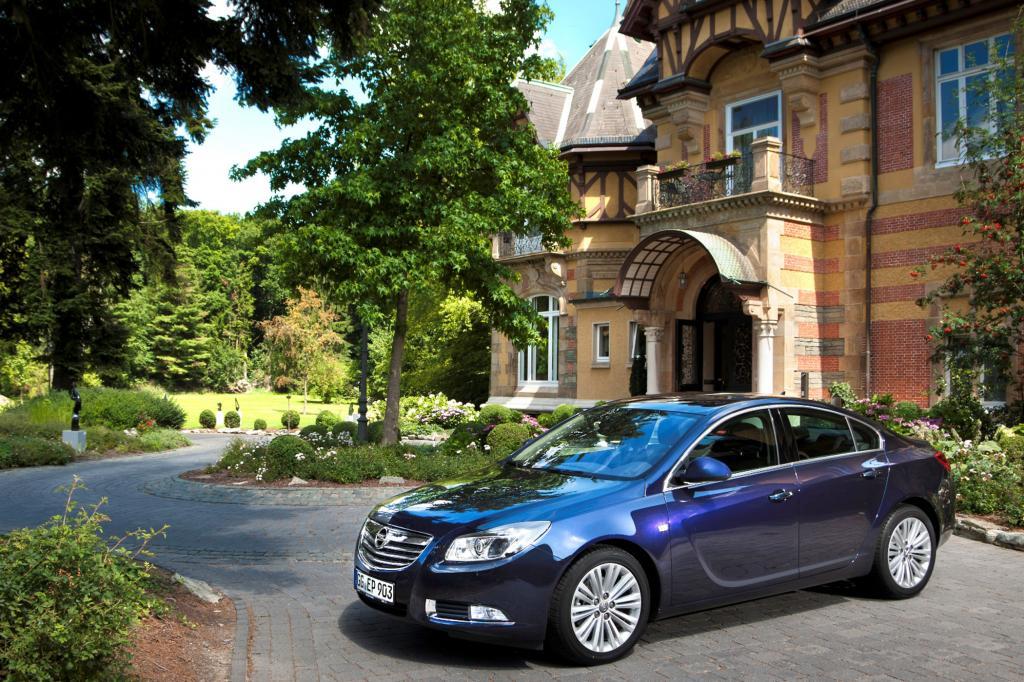 Die 2008 vorgestellte Opel Insignia-Limousine sieht immer noch zeitlos schön aus