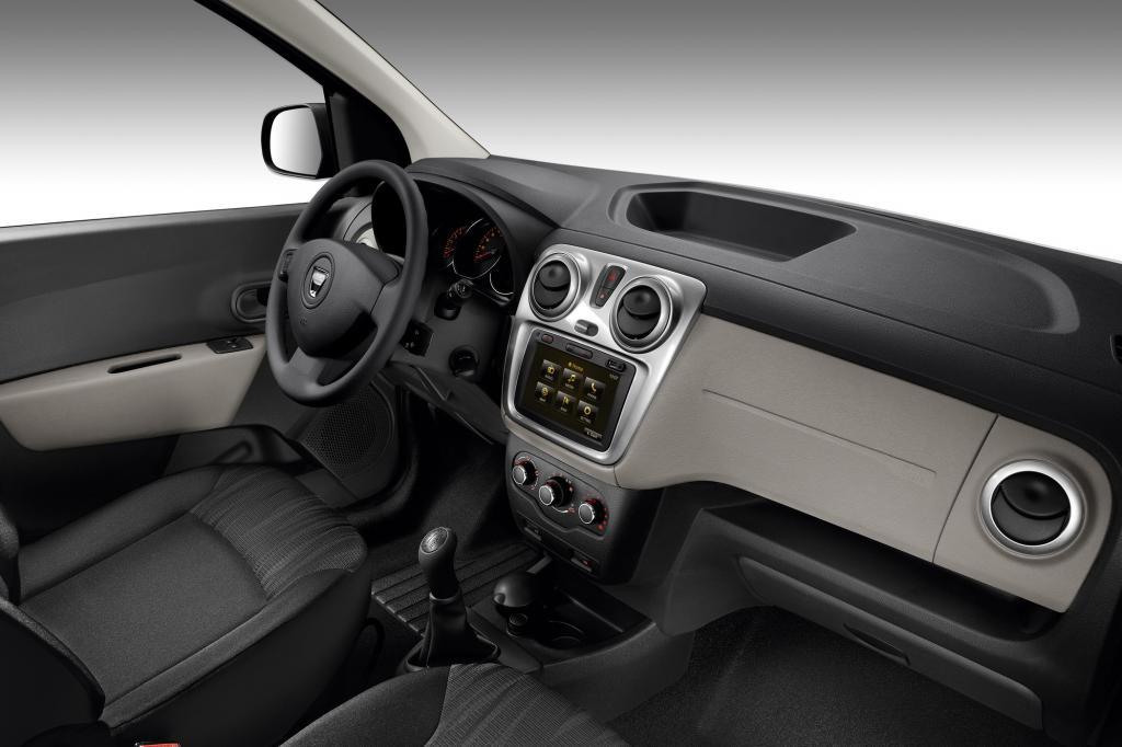 Die Interieurgestaltung ist Dacia-typisch einfach