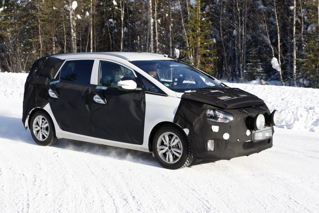 Erwischt: Erlkönig Kia Rondo – Minivan mit Kompaktanspruch