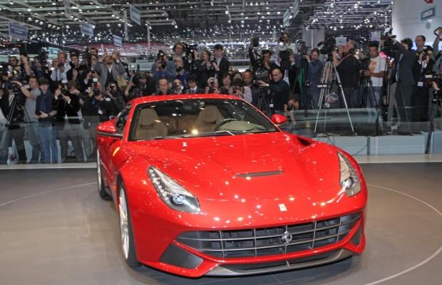 Ferrari F12 Berlinetta - Stärker, schneller, leichter
