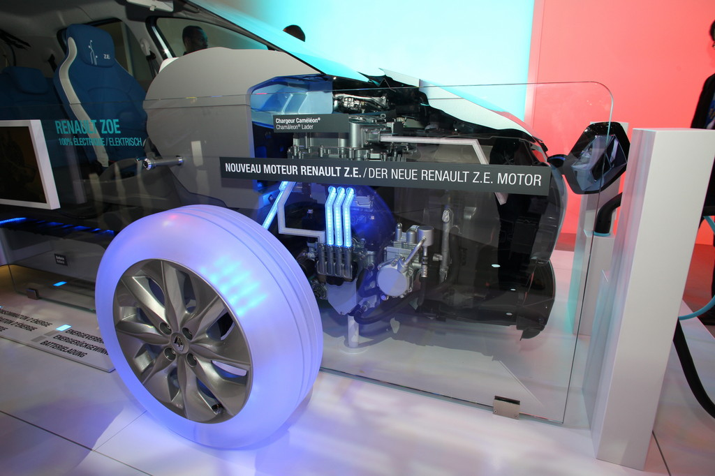 Genf 2012: Renault Zoe stromert zu Preisen ab 20 600 Euro