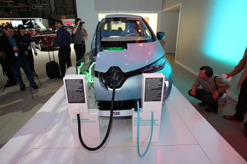 Genf 2012: Renault Zoe stromert zu Preisen ab 20.600 Euro