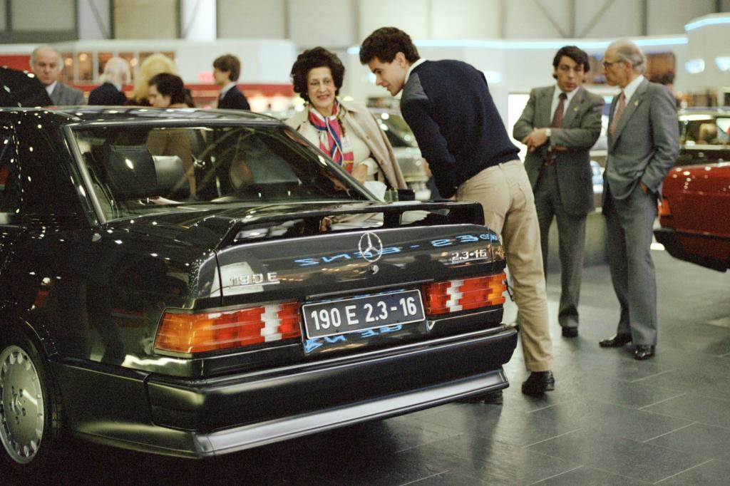 Mercedes 190 2.3-16 auf dem Genfer Autosalon 1984