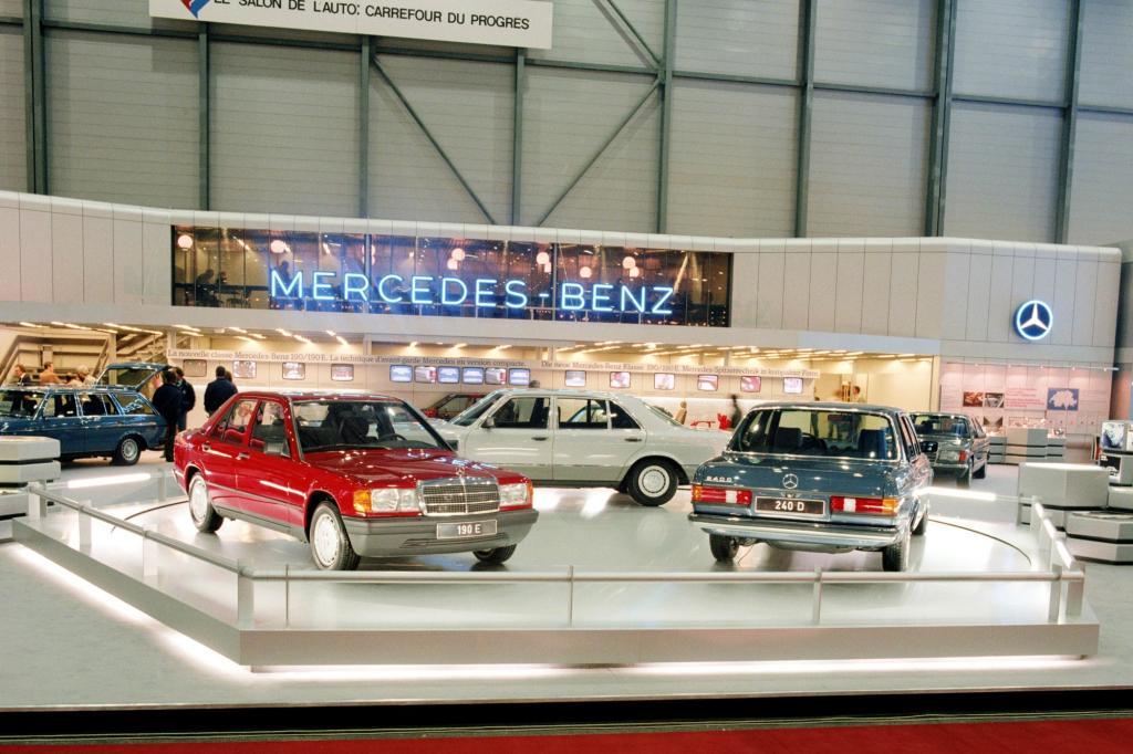 Mercedes 190 auf dem Genfer Autosalon 1983