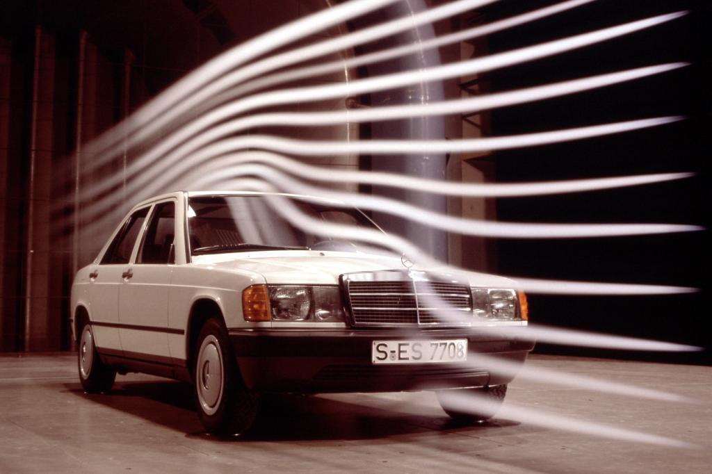 Mercedes 190 im Windkanal