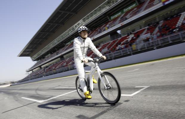 Michael Schumacher und Nico Rosberg:fahren Smart Ebike