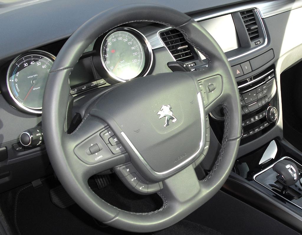 Peugeot 508 RXH: Blick ins Cockpit.