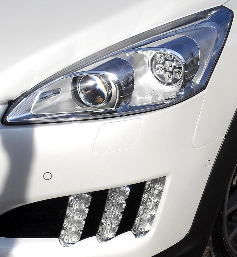 Peugeot 508 RXH: Moderne Leuchteinheit vorn.