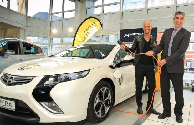 Peyman Amin fährt Opel Ampera