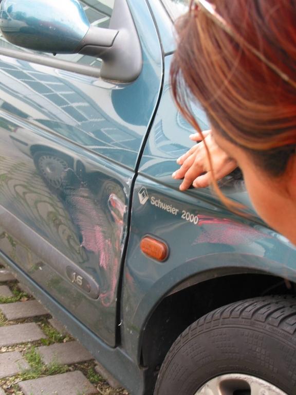 Recht: Lackschaden berechtigt nicht zum Rücktritt vom Neuwagenkauf