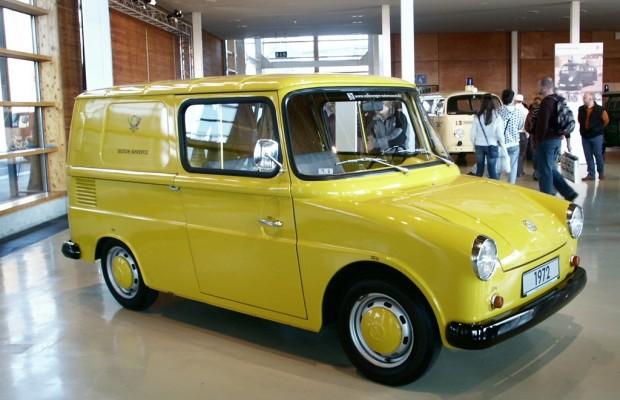 Techno Classica 2012: Volkswagen zeigt Bulli-Restaurierung live