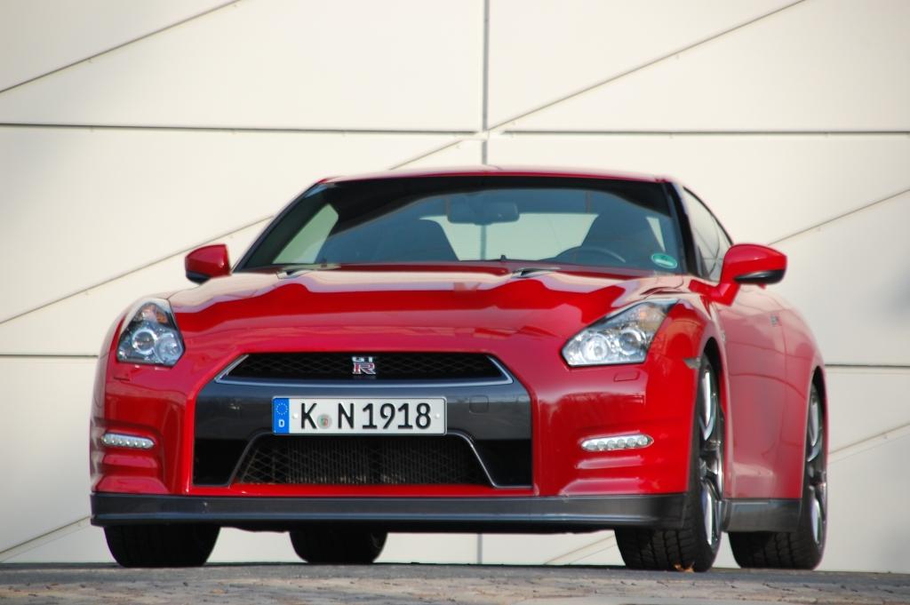 Test Nissan GT-R: Kampfjet für die Straße