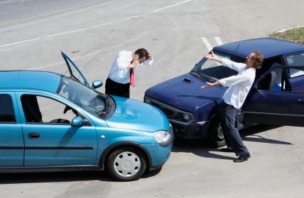 Urteil: Bei beruflicher Tätigkeit trägt Arbeitgeber das sonst private Wegerisiko
