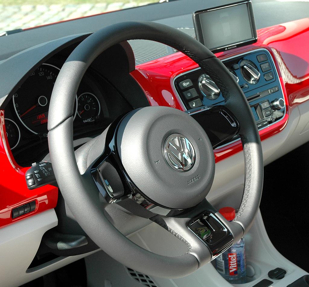 VW Up: Blick ins Cockpit.