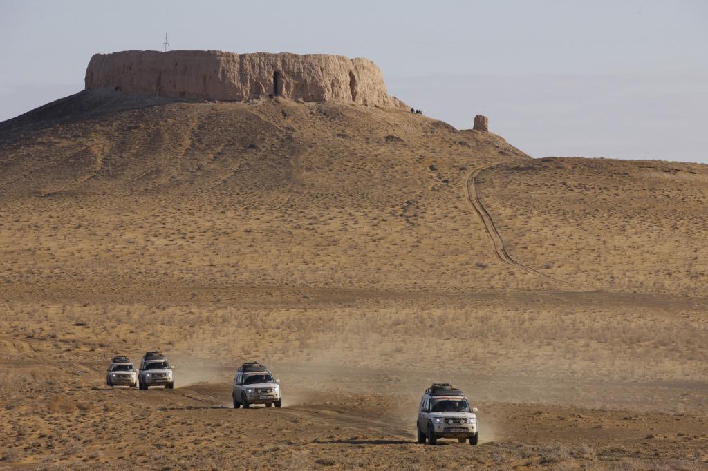 8.000 Meilen in 50 Tagen stehen auf dem Programm, bis der Tross pünktlich zum Beginn der Motorshow in Peking eintrifft