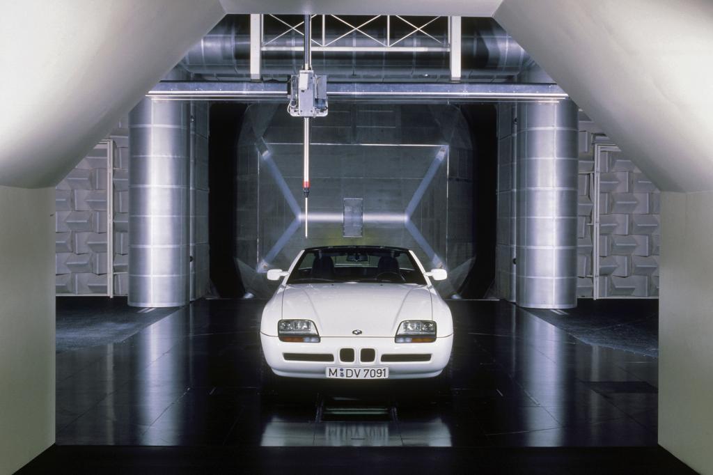 BMW Z1 im Akustik-Windkanal der BMW Technik GmbH 1989