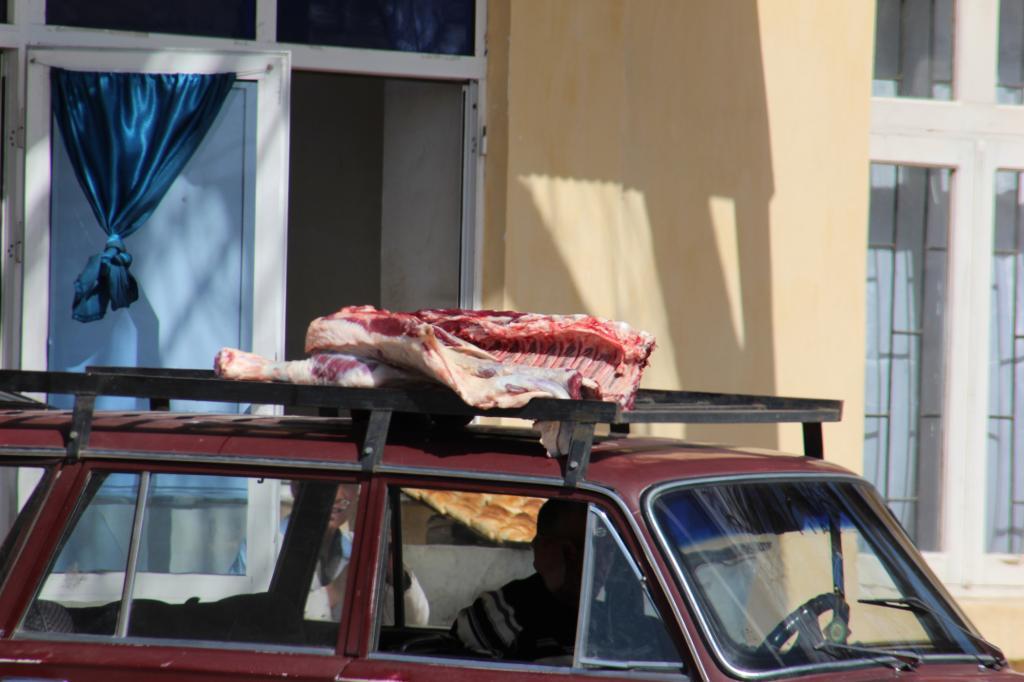 Ein luftiger Fleischtransport