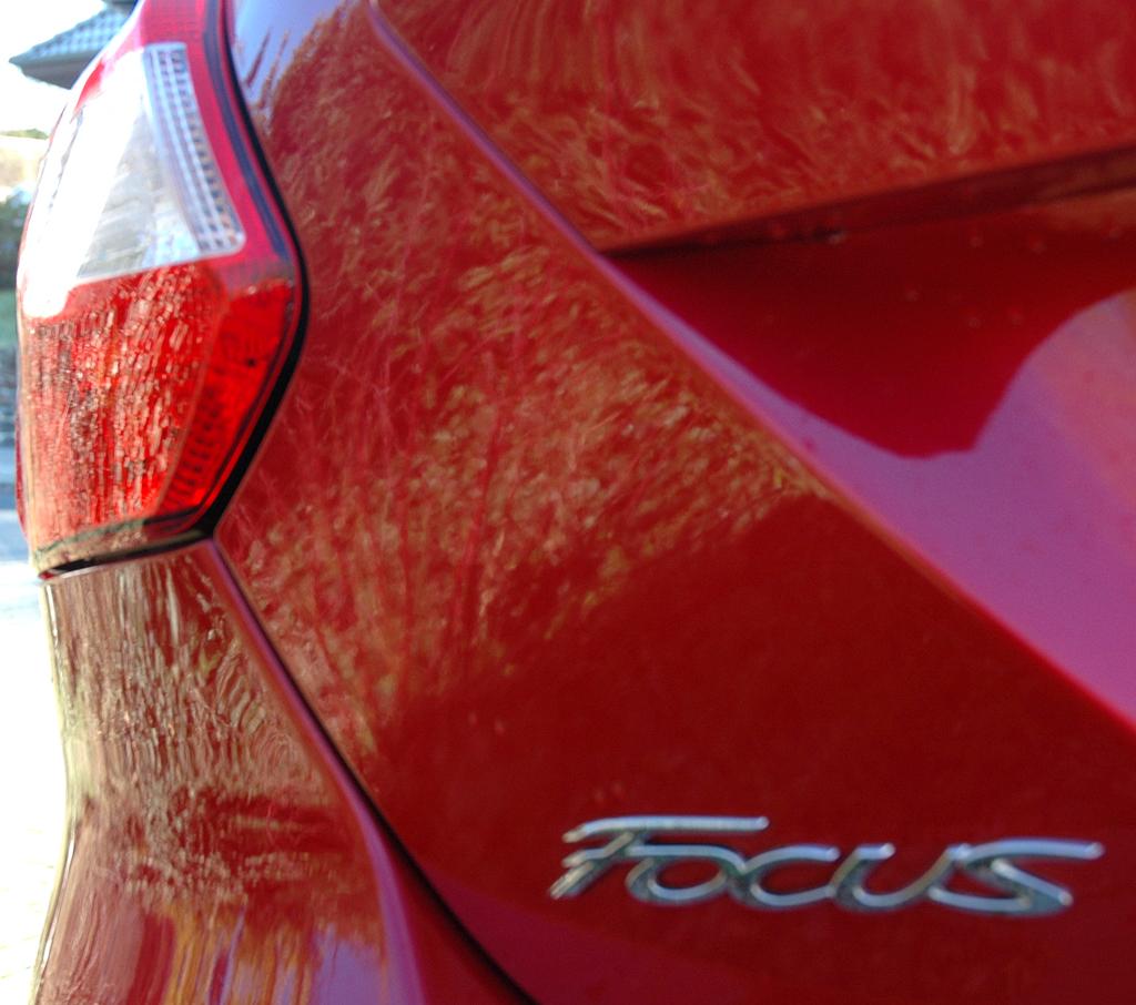 Ford Focus: Moderne Leuchteinheit hinten mit Modellschriftzug.