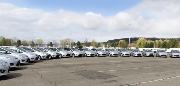 Ford übergibt 200 C-Max an den ADAC