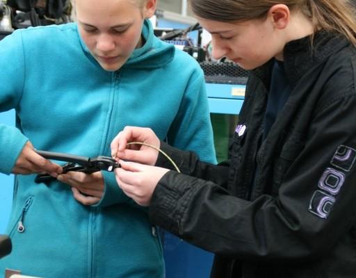 Girls Day: Daimler zeigt rund 570 Schülerinnen technische Berufe