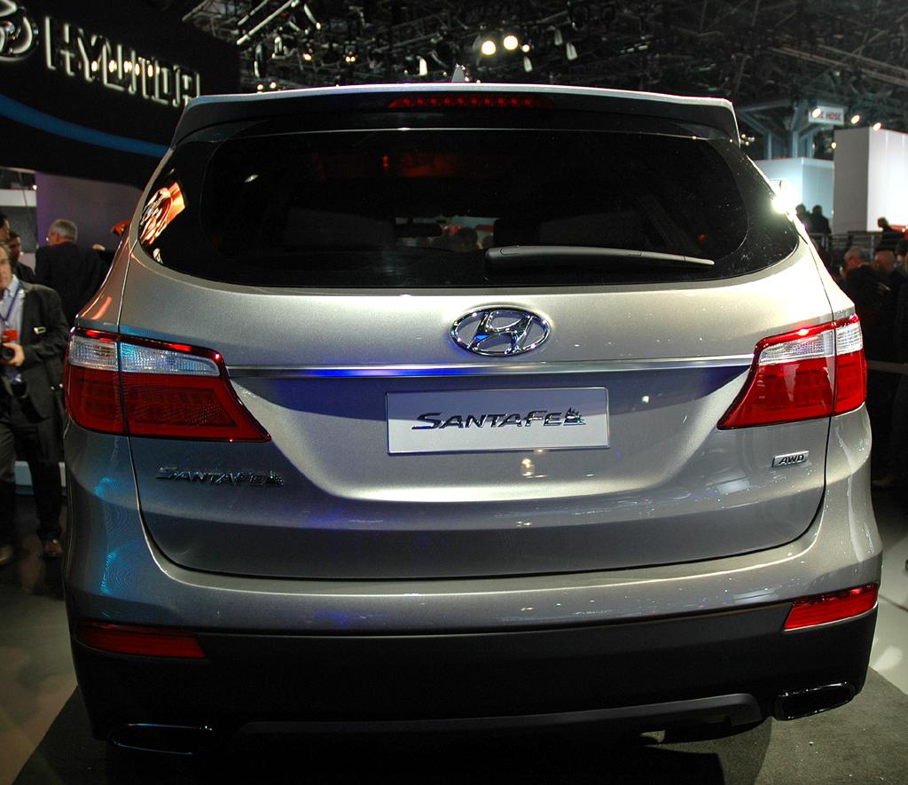 Hyundai Santa Fe: Und so sieht die Heckpartie der Neuauflage aus.