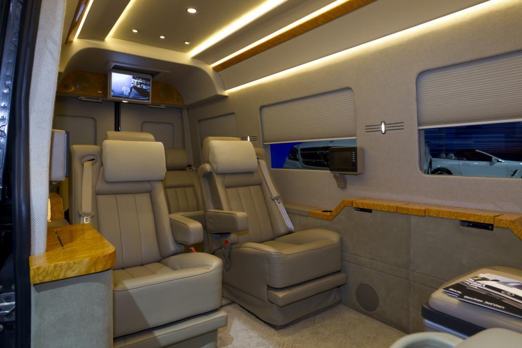 Im Inneren des Jet Van lässt sich jeder Stau ertragen